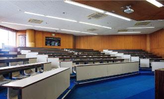 142教室(4F)