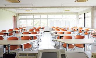 241教室(4F)